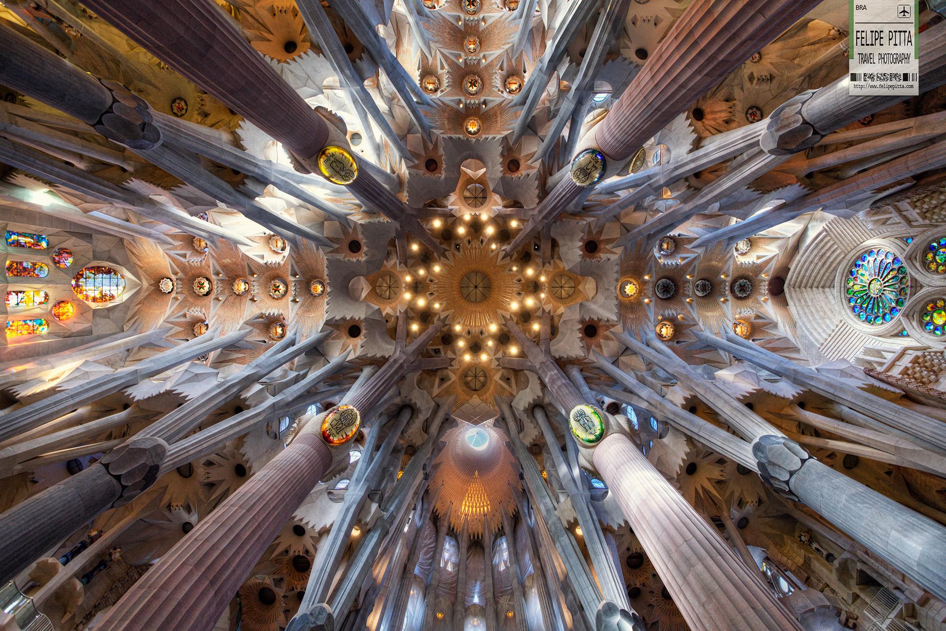 Sagrada Familia Barcelona Catalunya Antoni Gaudi Interior Roof Felipe Pitta