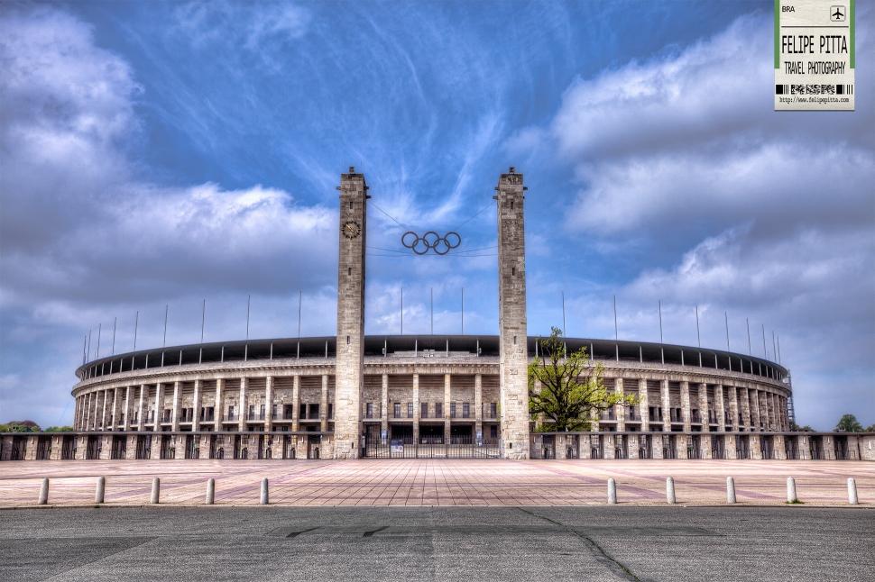 The unique Olympic Stadium in Berlin » Felipe Pitta Travel ...